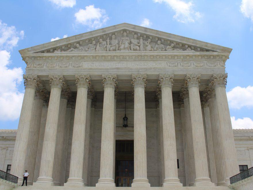 hvad er konstitueret dommer